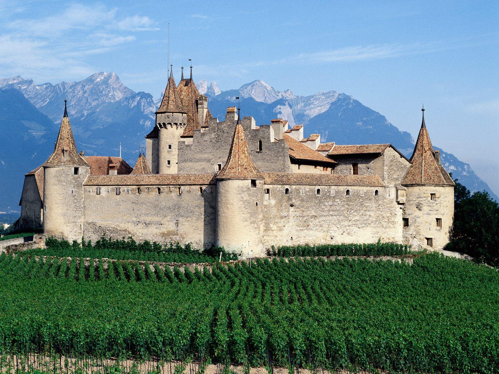 Chateau_d'Aigle_Switzerland.jpg